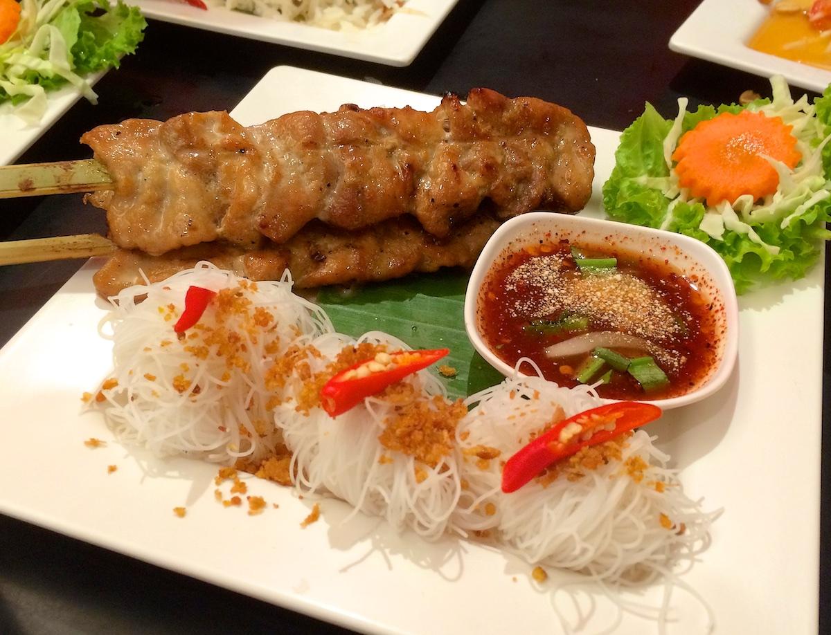 Isaan Der Thai Food